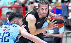 Un Bilbao Basket experimental se estrena con derrota en Gijón