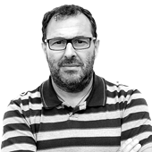 Juan Hernángómez, con la copa por todo lo alto./Agencias