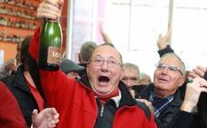 El 6914, tercer premio de la Lotería de Navidad, el más madrugador