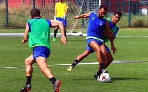 Pito Camacho sufre una lesión en la rodilla que hace peligrar su salida