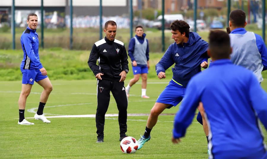 Jiménez: «Tenemos claro que el objetivo del partido es conseguir uno o dos goles»