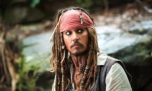 Johnny Depp vuelve a piratear