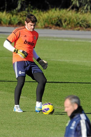 Casillas se queda sin defensores