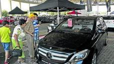 Arranca la Feria de Vehículos de Ocasión en la cúpula del Buesa