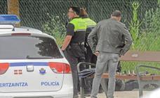 Roba en un coche dos días después de sustraer el bolso a una anciana en Bilbao
