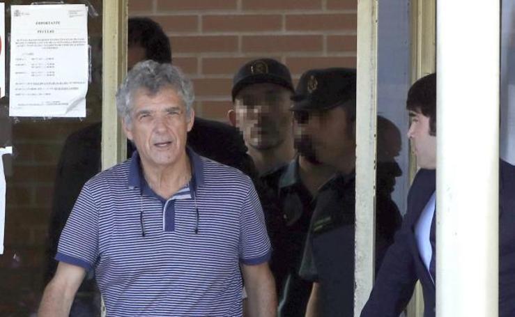 Primeras imágenes de Villar tras salir de la prisión de Soto del Real