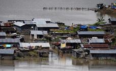 Al menos 800 muertos por inundaciones en el sur de Asia