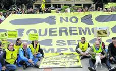 Juan Pablo no quiere ser «cómplice» del envío de armas desde el Puerto de Bilbao