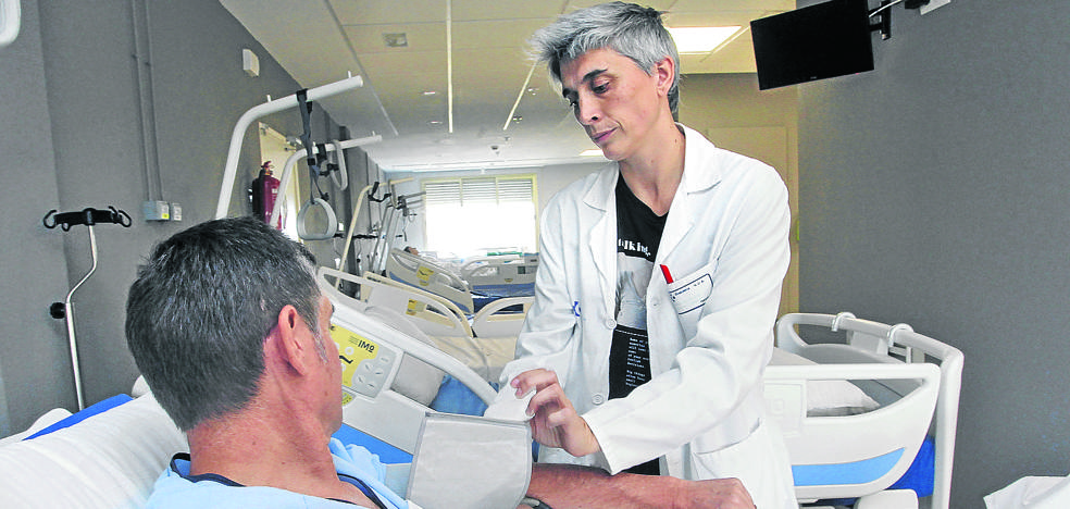 Mil voluntarios se prestan a probar fármacos en estudio en el HUA Txagorritxu