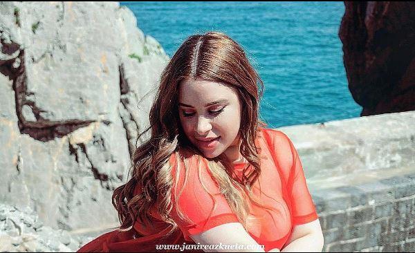 Janire Azkueta, la joven vizcaína coronada Miss Plus Size España 2017