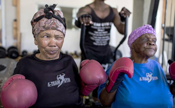 Abuelas con gancho en Sudáfrica