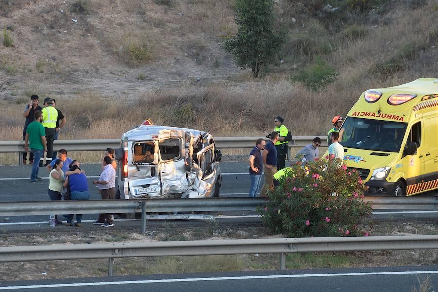 Fotos del brutal accidente en Murcia entre dos camiones y once vehículos, en el que ha habido cinco fallecidos