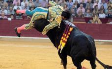Grave cornada a Cayetano Rivera en Zaragoza