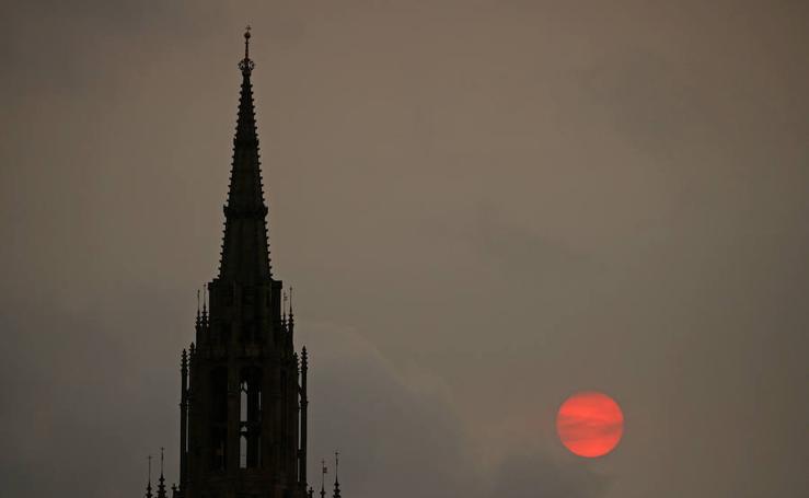 La tormenta Ophelia oscurece Londres