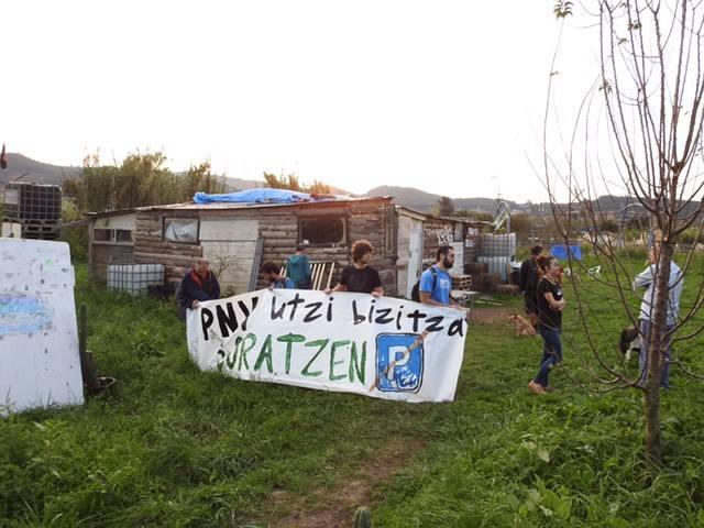Proceden a desalojar el campamento 'okupa' de Ibarbengoa