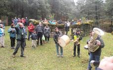 La histórica fiesta de la castaña toma este domingo Orozko