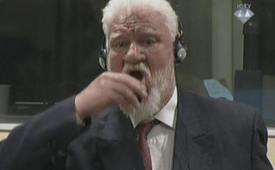 El criminal de guerra bosniocrata Slobodan Praljak bebió cianuro