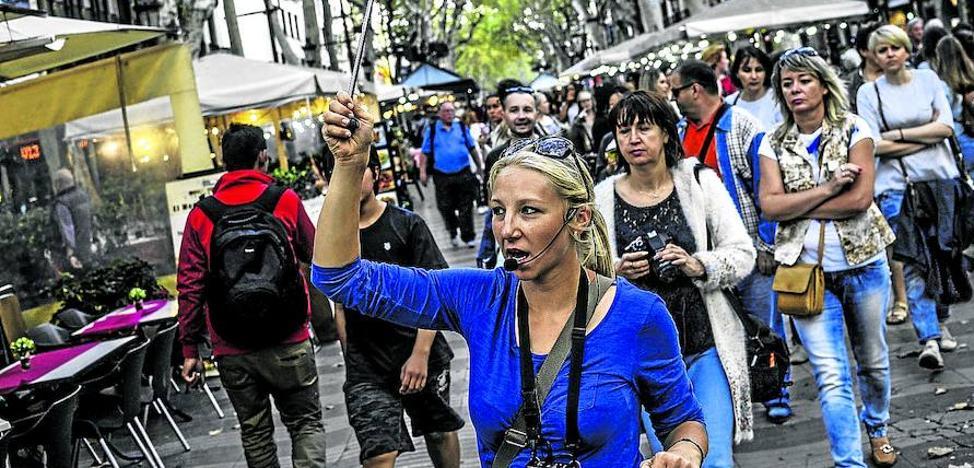 «Los turistas preguntan dónde eran los tiroteos y quemaban las tiendas»