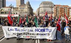 Los sindicatos cifran en el 75% el respaldo a la huelga en la escuela pública; el Gobierno vasco, en el 58%