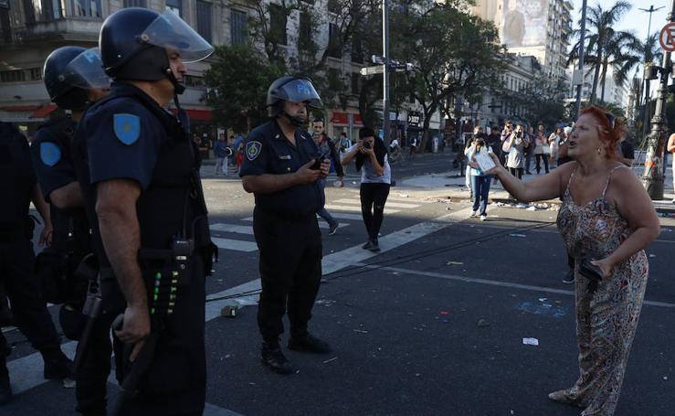 Batalla campal en Buenos Aires por la reforma de las pensiones