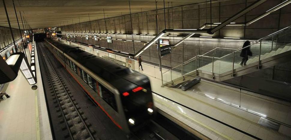 Una avería a primera hora en la estación de San Ignacio complica la mañana en el metro