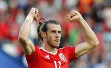 Bale se casa en mayo en un castillo de Italia