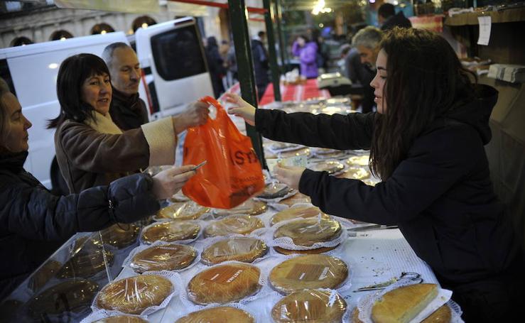 Fotos: Bilbao se vuelca con el mercado de Santo Tomás 2017