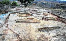 Navaridas recupera 14 sepulturas en la necrópolis medieval de Santa Eulalia