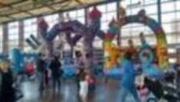 Los parques infantiles y el circo animan la Navidad en la comarca