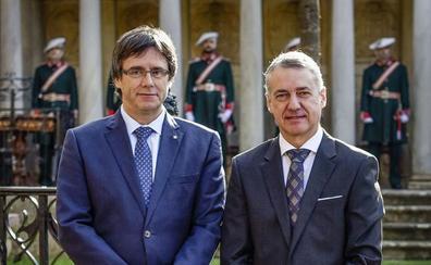 Urkullu reprocha a Puigdemont su exilio en Bruselas: «Para dirigir un país, hay que estar presente»
