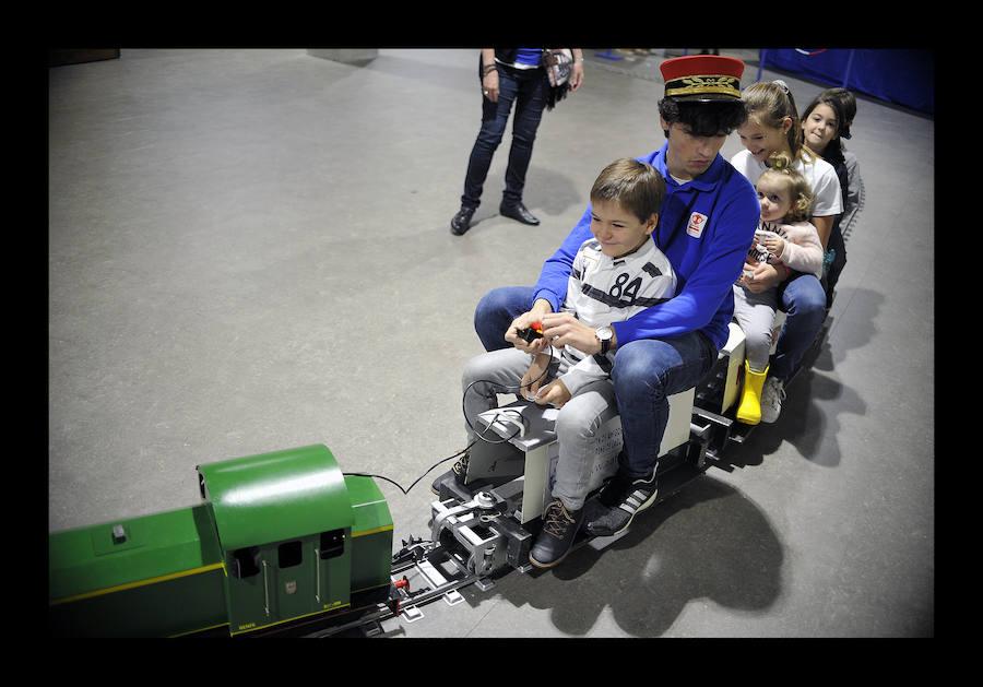 Exposición benéfica de trenes en Bilbao