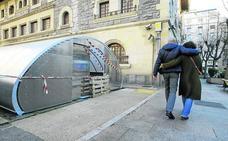 Vitoria acelera en la instalación de los aparcabicis cubiertos