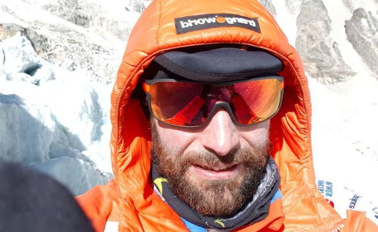 Fotos: Alex Txikon afronta el tramo más peligroso en su ascensión al Everest