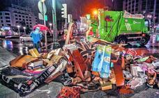 Los Reyes Magos dejan 25 toneladas de cartones a su paso por Bilbao