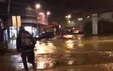 La estación de tren de Gernika, castigada por las fuertes lluvias