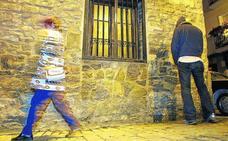 El Ayuntamiento de Vitoria impone una multa por orinar en la calle cada cinco días
