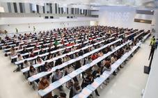 Más de 3.100 aspirantes afrontan desde hoy en Vitoria la segunda prueba de la oferta de empleo de Bienestar Social