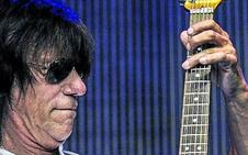 La guitarra furiosa de Jeff Beck viene a La Ola