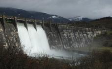 Aumenta el caudal de desembalse en Ullibarri ante la previsión de nuevas nevadas