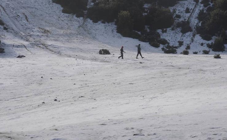 Fotos: frío y nieve en Euskadi
