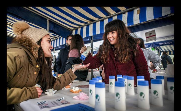 Alumnos de Formación Profesional de Vitoria presentan 36 ideas de negocio en la feria Álava Emprende