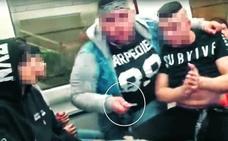 Imputados cinco menores por un vídeo en el que exhiben navajas en el metro