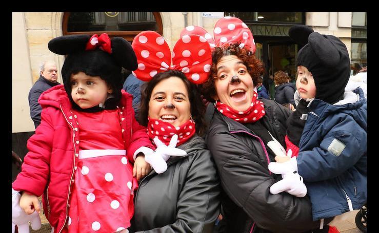 Vitoria celebra el desfile de Carnaval más multitudinario de su historia