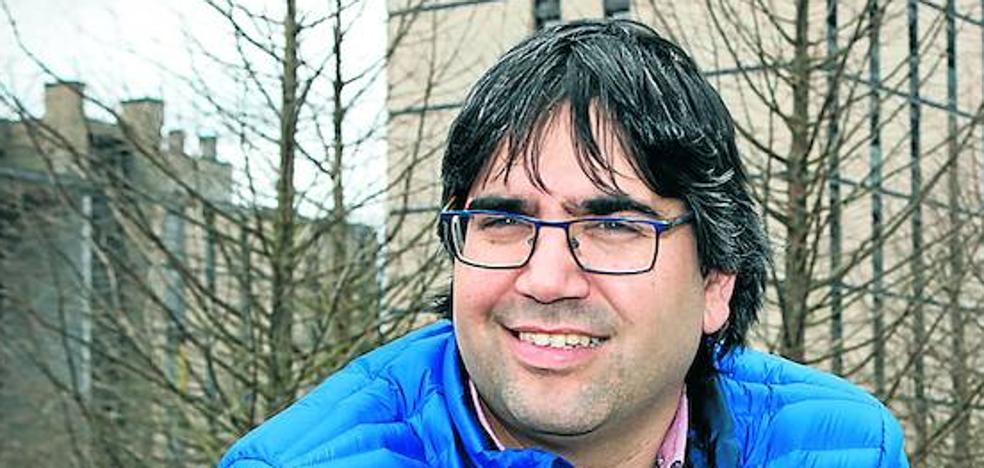 «Si los vecinos de Salburua no quisieran el tranvía, ya habrían pedido pararlo», dice Martínez de Guereñu