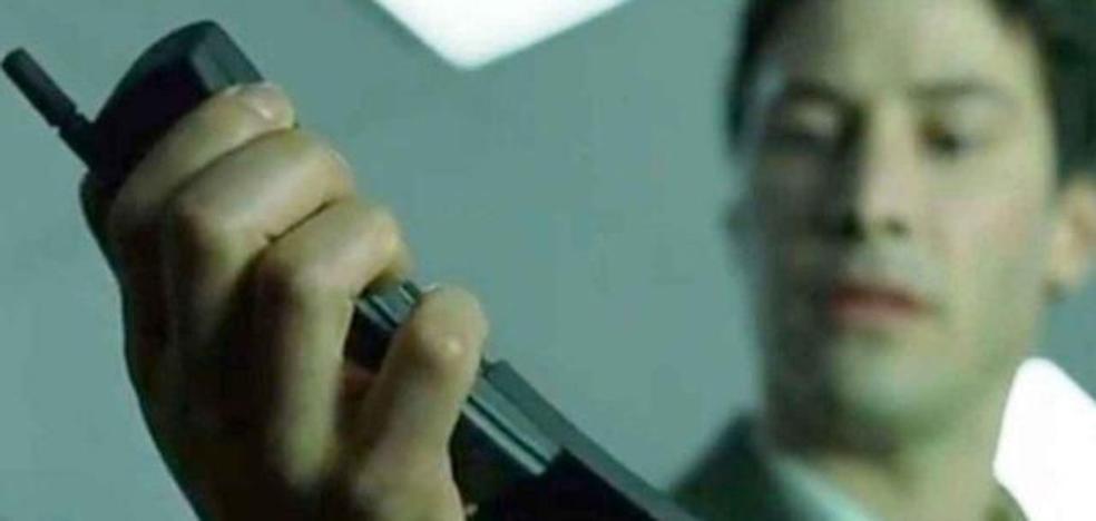Nokia vuelve a lanzar su 8110, el móvil de Keanu Reeves en 'Matrix'
