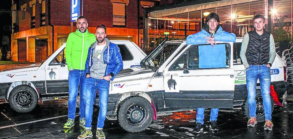 Cuatro llodianos inician una carrera de 3.000 kilómetros en un Fiat Panda