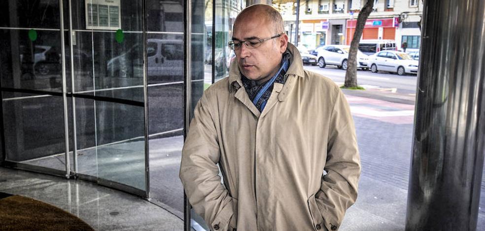 La testigo clave relata cómo De Miguel le reclamó «pasar por caja» en su despacho de Diputación
