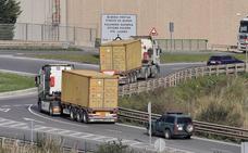 Herido un trabajador tras ser atropellado por un camión en el Puerto de Bilbao