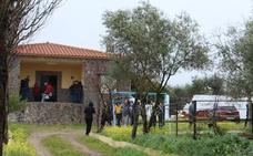 Hallan a una pareja muerta en una casa de campo en Badajoz