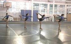 Bailando sobre ruedas: el patinaje gana adeptos en Bilbao